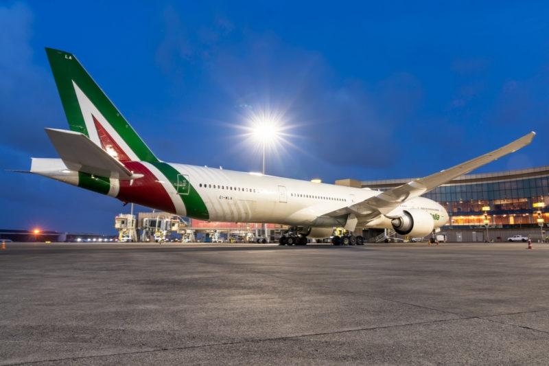EI-WLA, Boeing 777-300ER